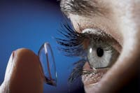 Contact lens to monitor blood sugar