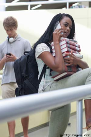 Cell phone usage linked to lower grades