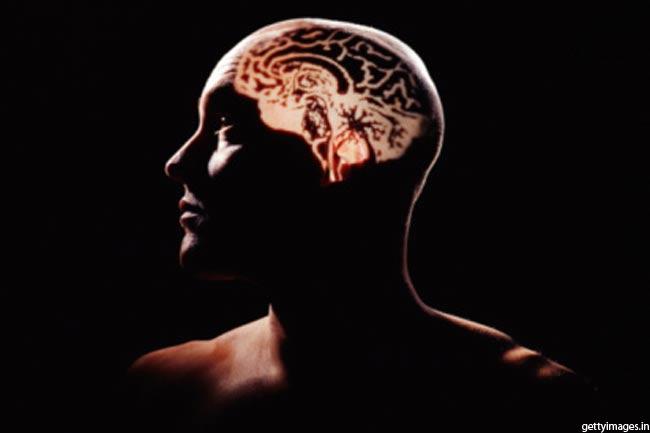 रात को तेजी से बढ़ता है दिमाग