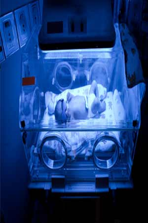 baby warmer helps save the life of preemie