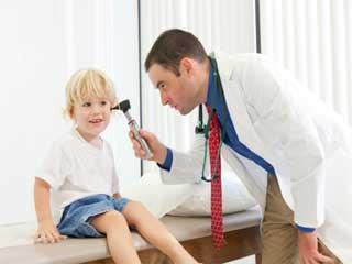 कान के संक्रमण में देखभाल और इससे बचाव