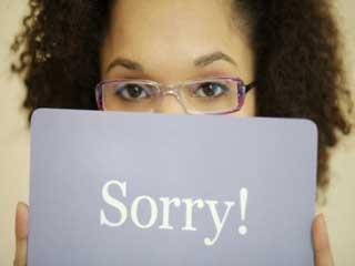 हर बात पर माफी मांगने की आदत करें दूर