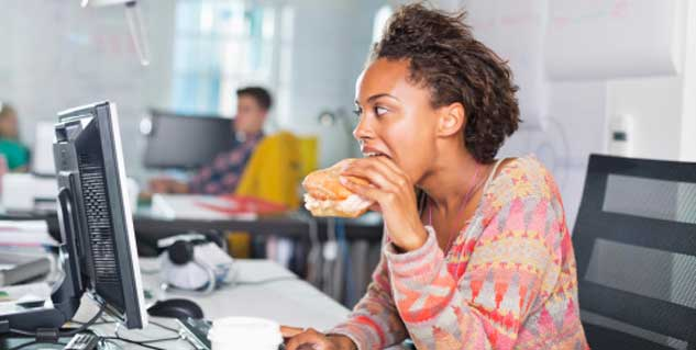 how to avoid snacking at work