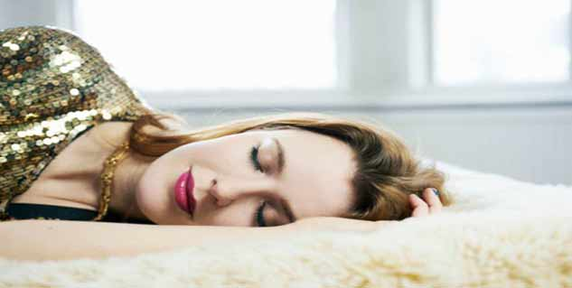 sleep with makeup in hindi