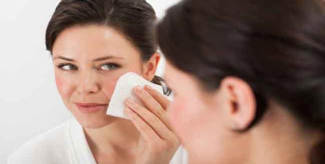 Makeup Removers in Hindi
