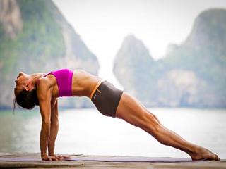 पेट की सूजन दूर करने के लिये करें ये योगासन