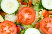 Cucumber and tomato salad can help lose weight