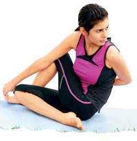 Do yoga and get respite from upper back pain